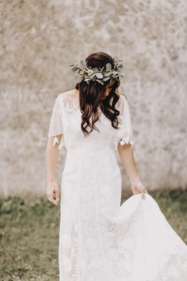romantic-and-rustic-minnesota-wedding-at-mayowood-stone-barn-7