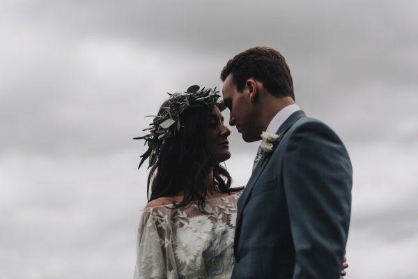 romantic-and-rustic-minnesota-wedding-at-mayowood-stone-barn-8