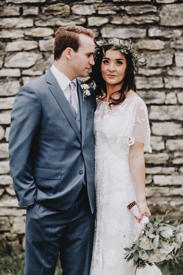 romantic-and-rustic-minnesota-wedding-at-mayowood-stone-barn-9