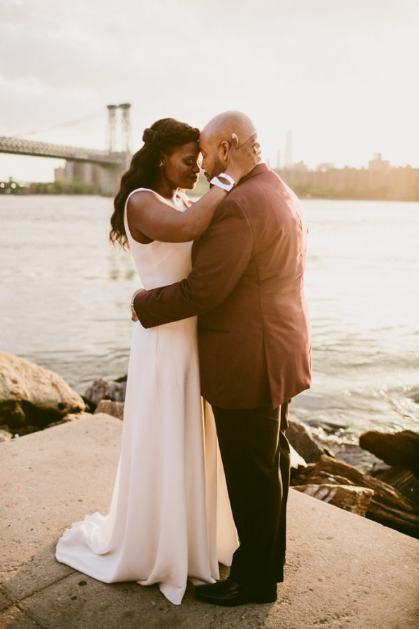 romantic-cool-williamsburg-wedding-at-aurora-38