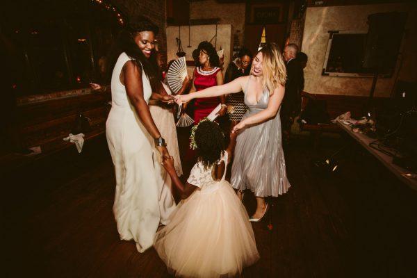 romantic-cool-williamsburg-wedding-at-aurora-41