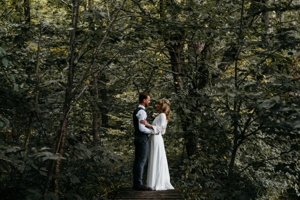 scandinavian-fairy-tale-wedding-at-foxfire-mountain-house-11