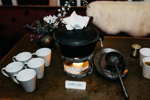 scandinavian-fairy-tale-wedding-at-foxfire-mountain-house-47