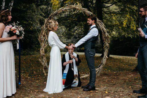 scandinavian-fairy-tale-wedding-at-foxfire-mountain-house-8