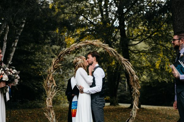 scandinavian-fairy-tale-wedding-at-foxfire-mountain-house-9