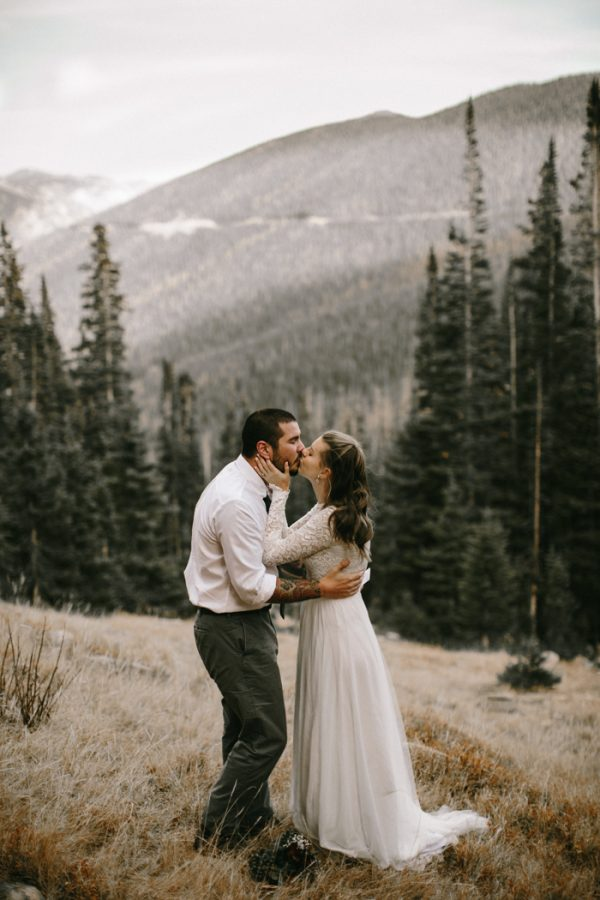 snowy-mountain-elopement-in-estes-park-18