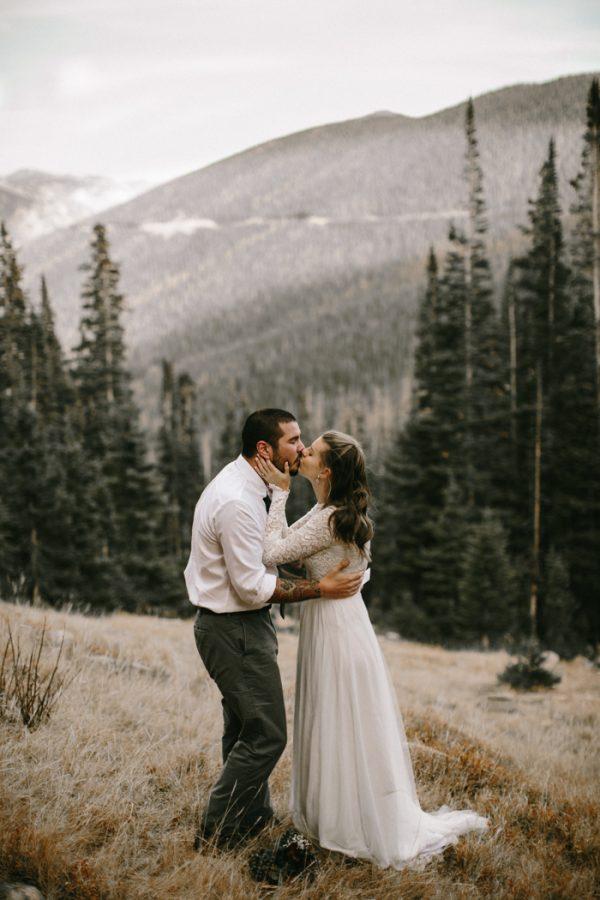 snowy-mountain-elopement-in-estes-park-18
