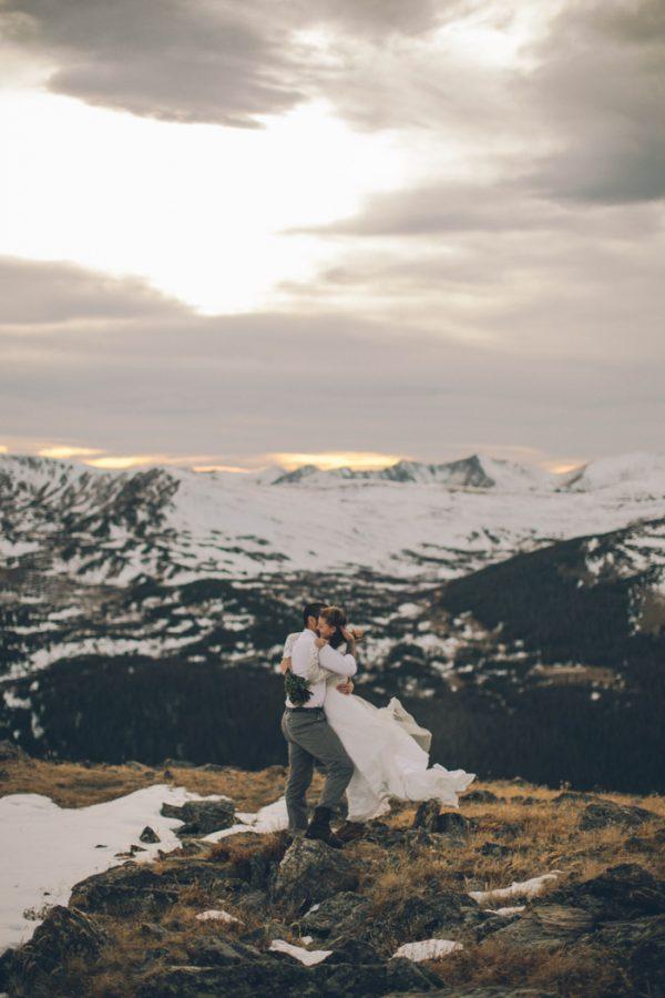 snowy-mountain-elopement-in-estes-park-23