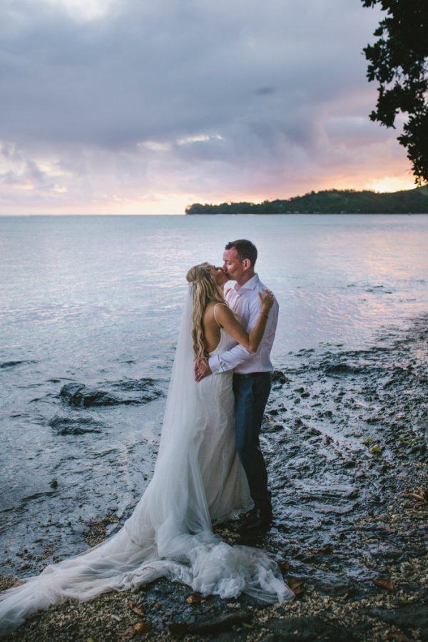 sunset-destination-wedding-on-fijis-coral-coast-23-600x900