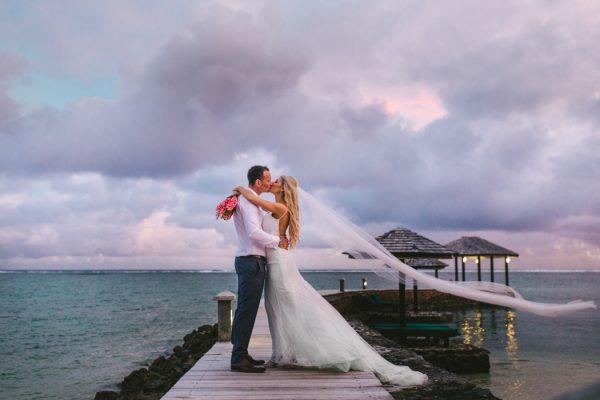 sunset-destination-wedding-on-fijis-coral-coast-26-600x400