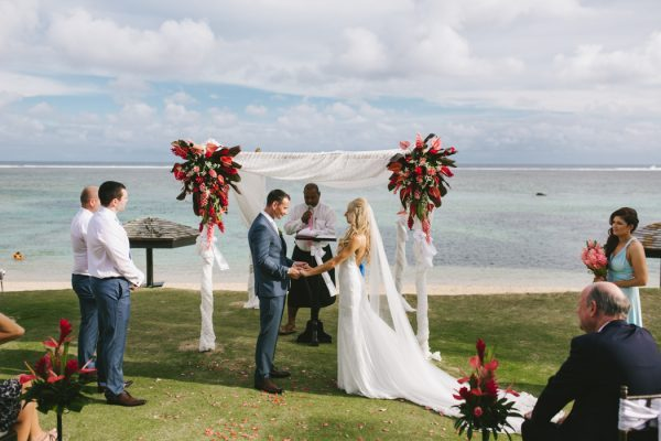 sunset-destination-wedding-on-fijis-coral-coast-9-600x400
