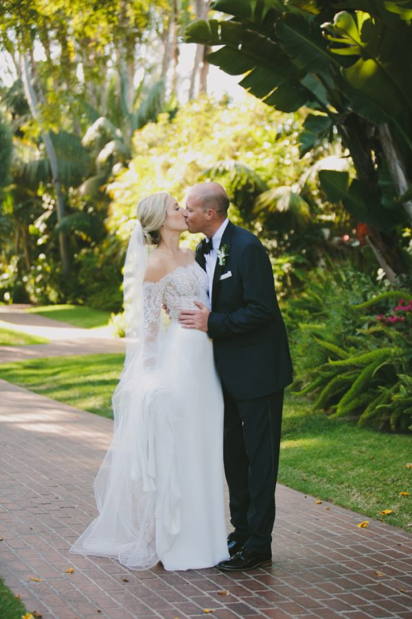this-black-tie-santa-barbara-wedding-is-far-from-stuffy-15