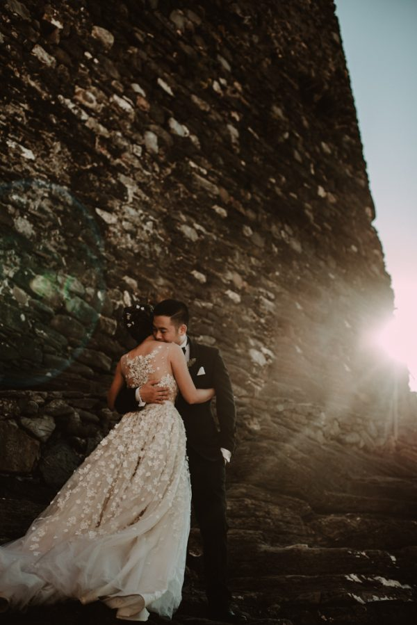 this-breathtaking-cinque-terre-wedding-has-the-most-stunning-bespoke-gown-20