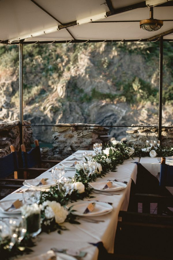 this-breathtaking-cinque-terre-wedding-has-the-most-stunning-bespoke-gown-26