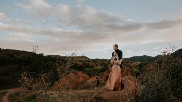 this-red-rocks-canyon-engagement-is-filled-with-copper-hues-19