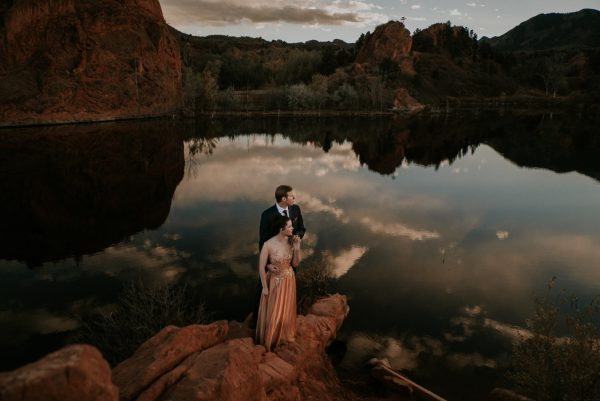 this-red-rocks-canyon-engagement-is-filled-with-copper-hues-6