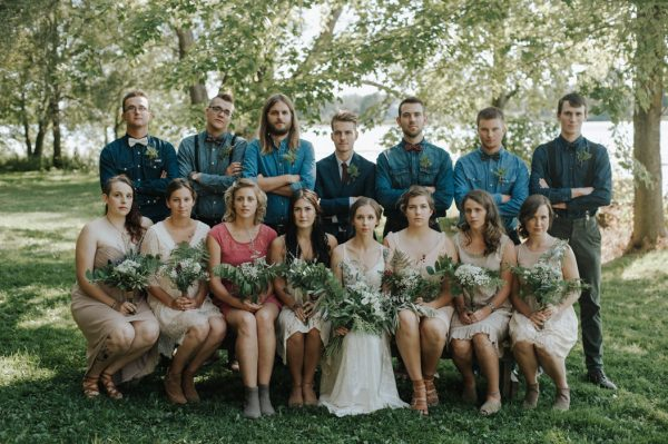 this-super-cool-summer-camp-wedding-is-all-about-community-14