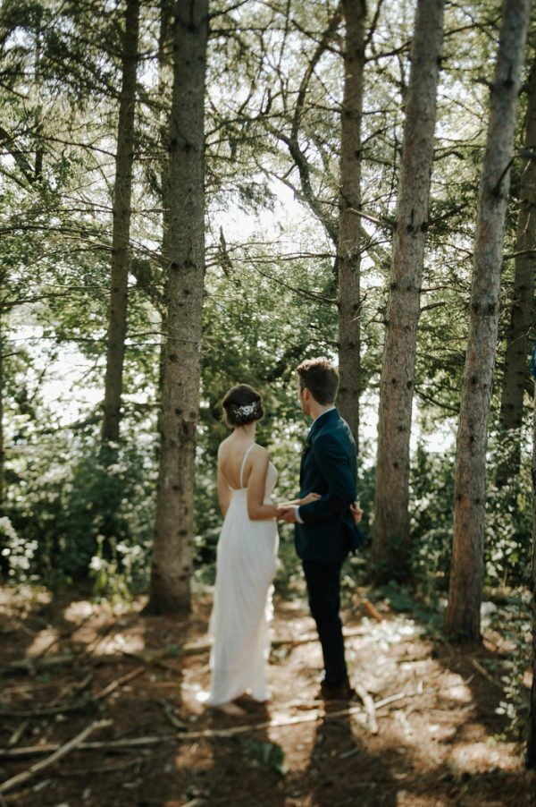 this-super-cool-summer-camp-wedding-is-all-about-community-17