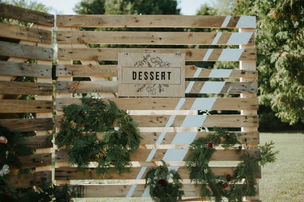 this-super-cool-summer-camp-wedding-is-all-about-community-25