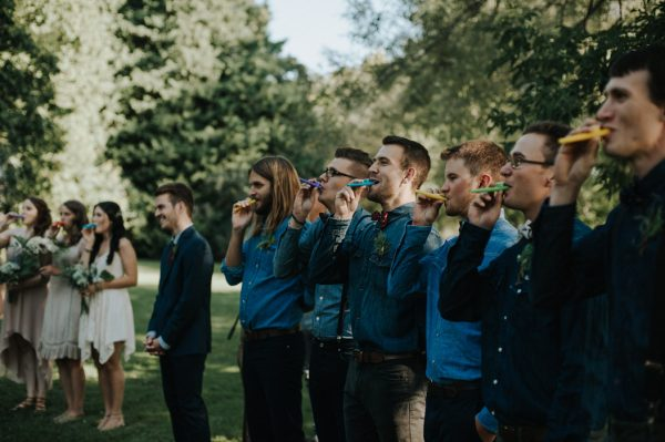 this-super-cool-summer-camp-wedding-is-all-about-community-30