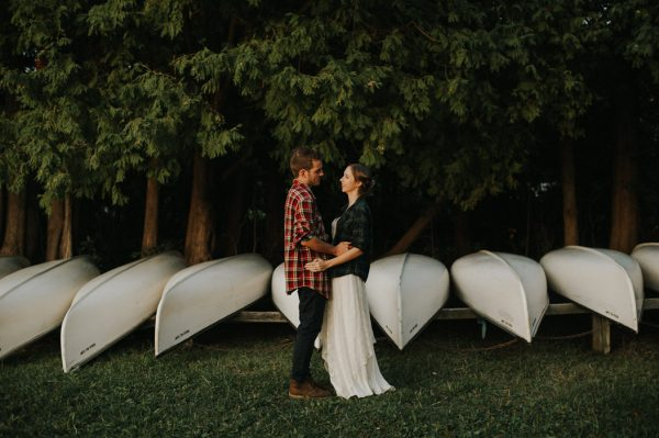 this-super-cool-summer-camp-wedding-is-all-about-community-48