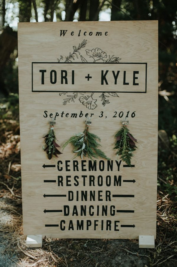 this-super-cool-summer-camp-wedding-is-all-about-community-5