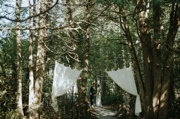 this-super-cool-summer-camp-wedding-is-all-about-community-8