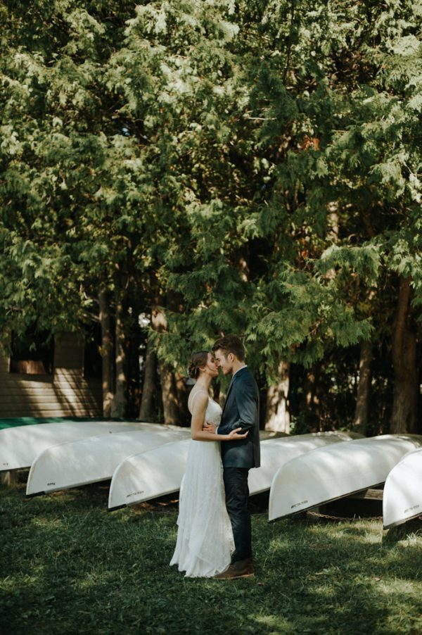 this-super-cool-summer-camp-wedding-is-all-about-community-9