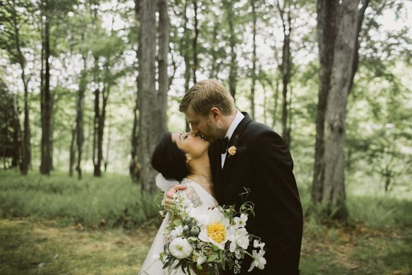 timeless-catskills-barn-wedding-at-handsome-hollow-1-2