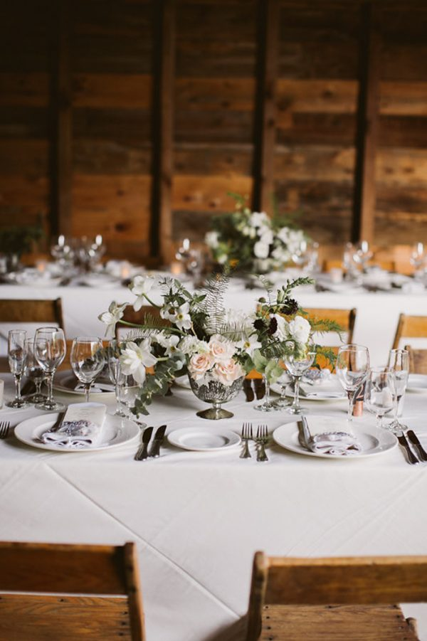 timeless-catskills-barn-wedding-at-handsome-hollow-1