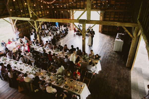 timeless-catskills-barn-wedding-at-handsome-hollow-12