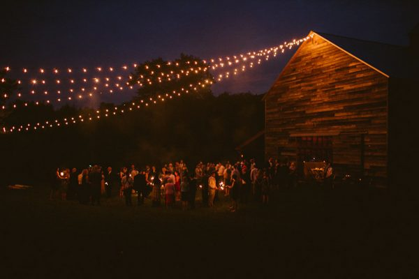 timeless-catskills-barn-wedding-at-handsome-hollow-17