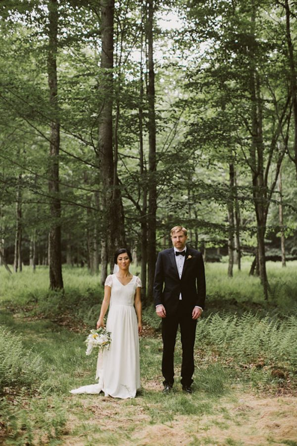 timeless-catskills-barn-wedding-at-handsome-hollow-29