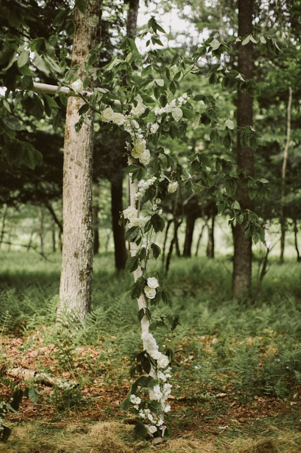 timeless-catskills-barn-wedding-at-handsome-hollow-32