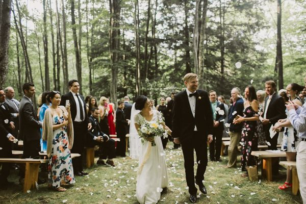 timeless-catskills-barn-wedding-at-handsome-hollow-37