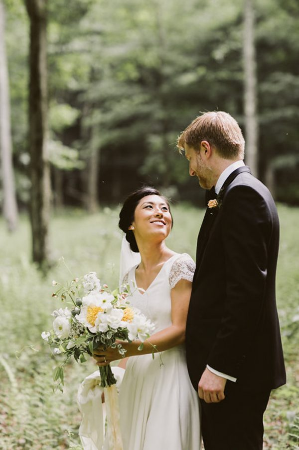 timeless-catskills-barn-wedding-at-handsome-hollow-45