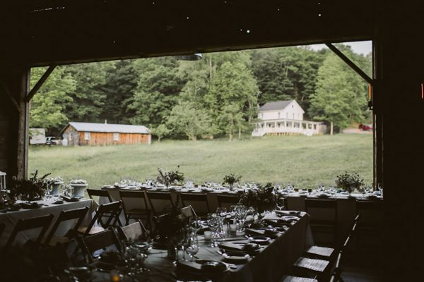 timeless-catskills-barn-wedding-at-handsome-hollow-5