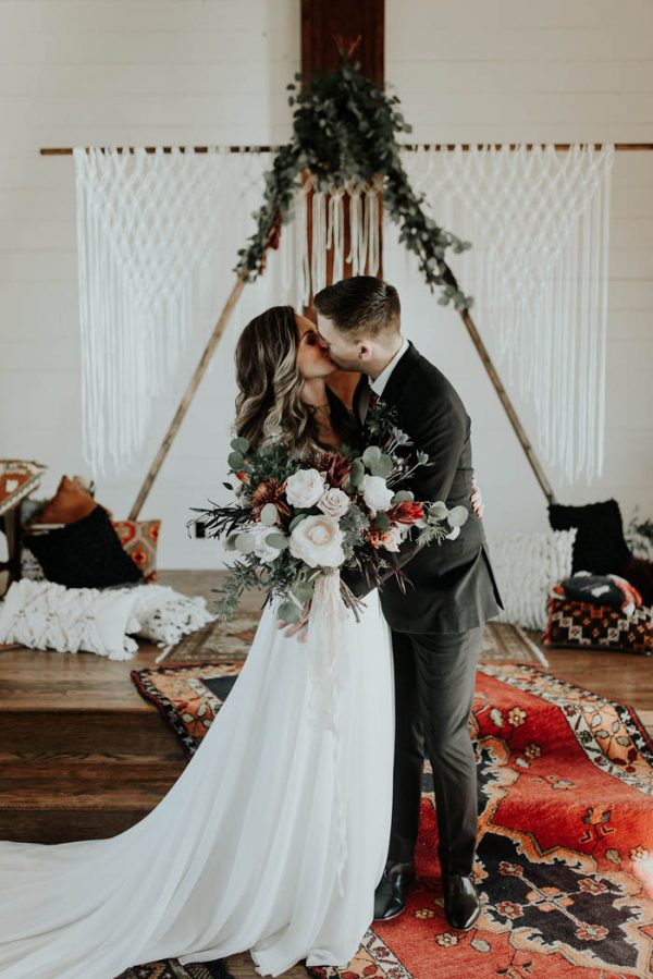 Eclectic Romantic Wedding Inspiration at The Chapel at Southwind Hills Peyton Rainey Photography and Chelsea Denise Photography-54