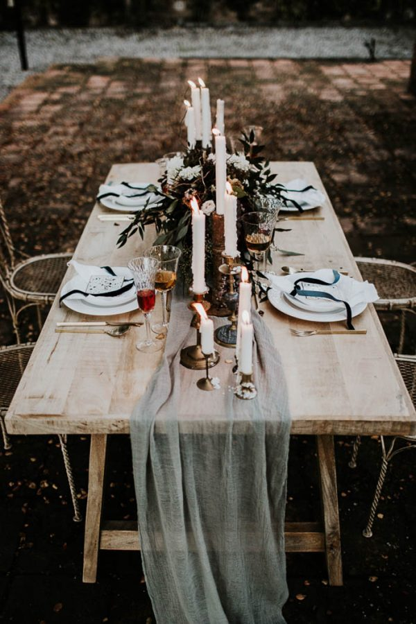 Ethereal-and-Dark-Winter-Wedding-Inspiration-Fresh-and-Wood-46-600x900