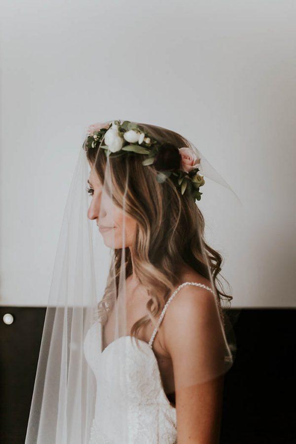 Modern-Romantic-Portland-Wedding-at-Leftbank-Annex-Olivia-Strohm-Photography-54-600x899