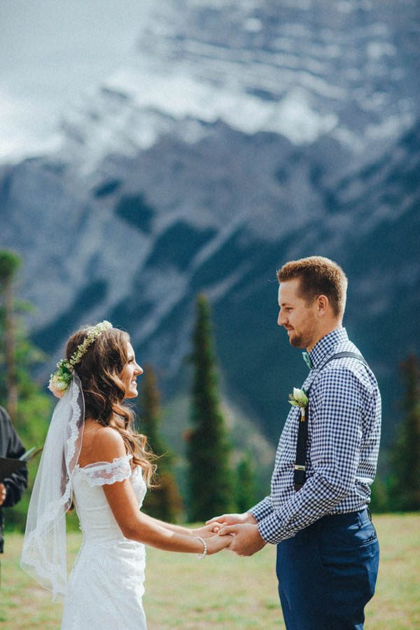 Stunning-Banff-Elopement-in-the-Tunnel-Mountain-Reservoir-Tricia-Victoria-Photography-6