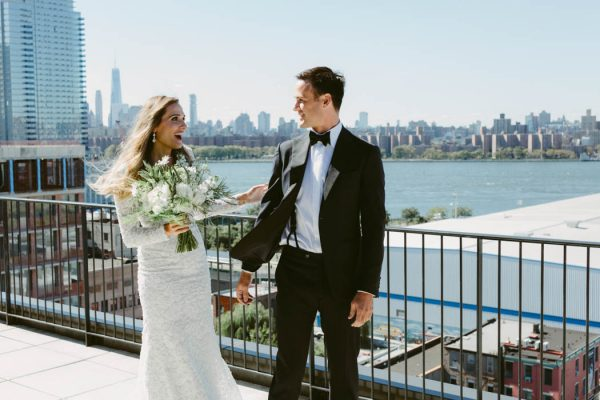 this-couple-threw-an-outdoor-barbecue-wedding-in-brooklyn-at-501-union-amber-gress-photography-10