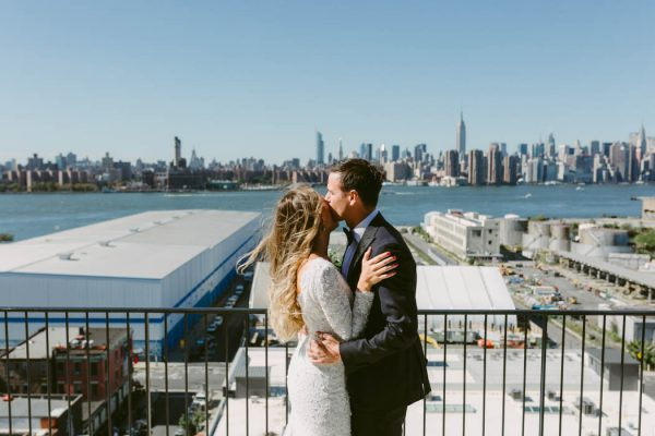 this-couple-threw-an-outdoor-barbecue-wedding-in-brooklyn-at-501-union-amber-gress-photography-12