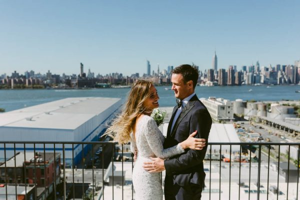 this-couple-threw-an-outdoor-barbecue-wedding-in-brooklyn-at-501-union-amber-gress-photography-13