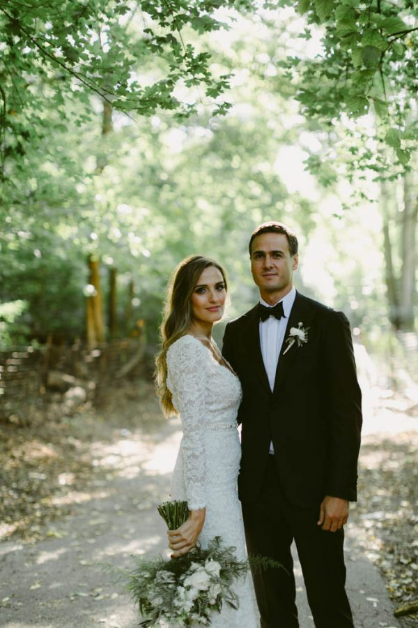 this-couple-threw-an-outdoor-barbecue-wedding-in-brooklyn-at-501-union-amber-gress-photography-22