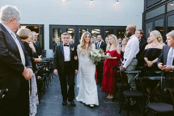 this-couple-threw-an-outdoor-barbecue-wedding-in-brooklyn-at-501-union-amber-gress-photography-32