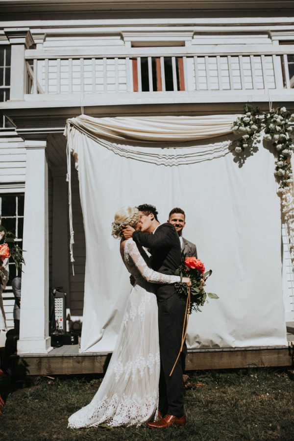This Free-Spirited Sauvie Island Wedding Will Steal Your Heart India Earl-28
