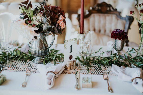 This-Kildara-Farms-Wedding-is-Full-of-Antique-European-Details-Rivkah-Photography-7-600x400