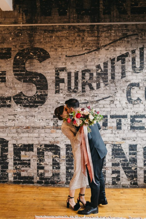 chic-toronto-loft-wedding-at-the-burroughes-11