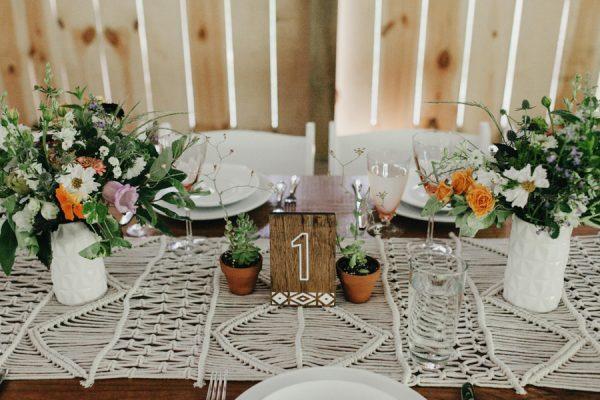 relaxed-boho-north-carolina-wedding-at-rock-quarry-farm-32-600x400